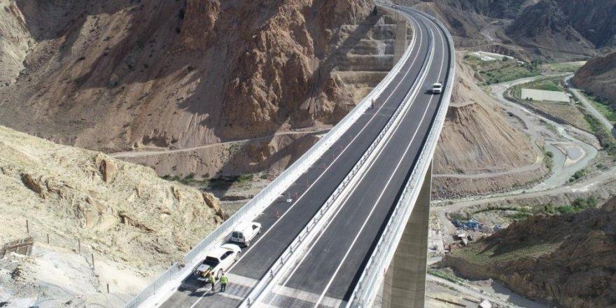 Yusufeli Barajı relokasyon yollarının yüzde 91'lik bölümü tamamlandı