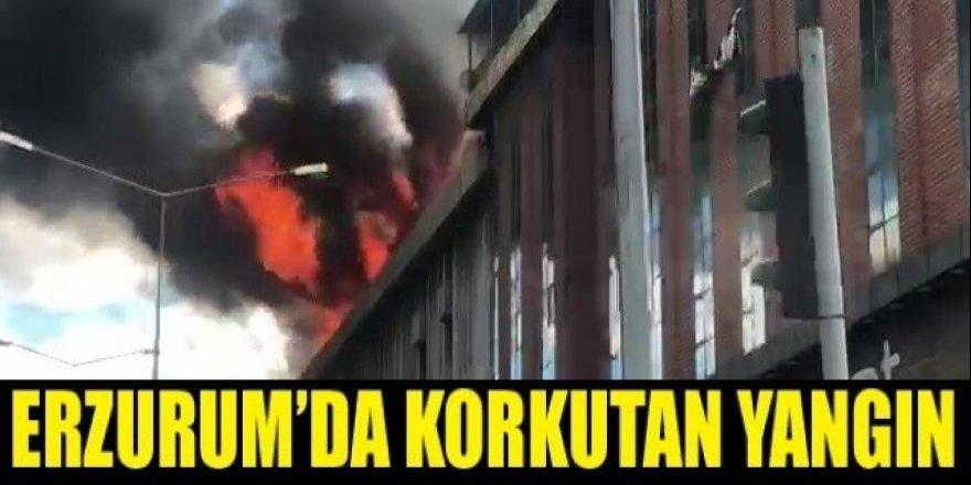 Erzurum'da korkutan yangın, alevler gökyüzünü kapladı