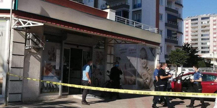 Doktorun pompalı tüfekle vurduğu meslektaşı öldü