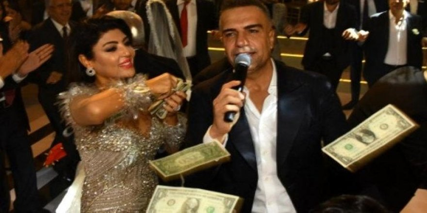 Sahne aldığı düğünde dolarlar hava uçuştu!