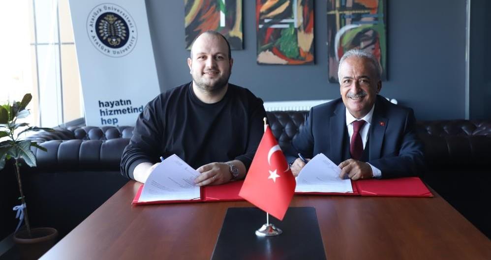 Bir iş birliği de Türkiye Buz Hokeyi Federasyonuyla