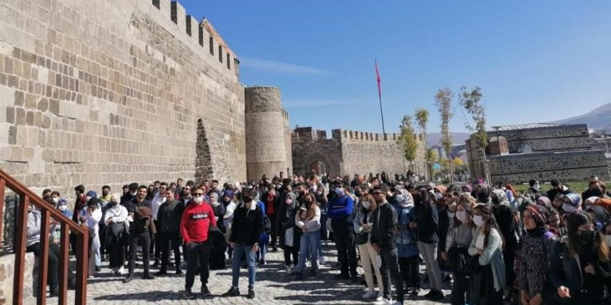 Genç Vizyon'dan gençlere Erzurum gezisi