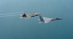 Savaş uçakları Suriye hava aracını vurdu