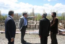 Ada, okul inşaatlarını gezdi
