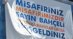 AK Parti'den Devlet Bahçeli'ye pankart jesti
