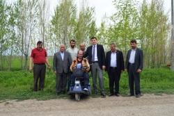 Öz'den engelli vatandaşlara akülü araba