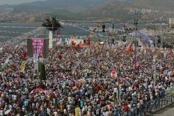 İzmir Mitingi Sosyal Medyayı Salladı