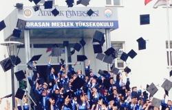 Horosan'da mezuniyet çoşkusu