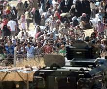 Suriyeliler sınırda önce 'su', sonra!