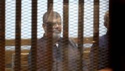 Mısır'da bir günde iki karar!