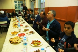 Büyükşehir Şenkaya'da iftar verdi