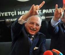 Ekmeleddin İhsanoğlu için yeni slogan!