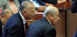 AK Parti'yi isteyen Ekmel Bey'e kızdı