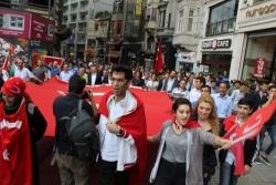 Erzurumlular taksim'de terörü lanetledi