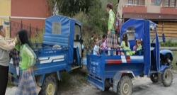 Servis ihalesi yapılamadı öğrenciler patpatla taşındı