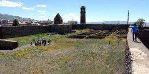 Erzurum Kalesi'nin Surlarına Seyir Terası