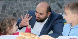 Aziziye'de şehit aileleri ve gaziler iftar sofrasında buluştu