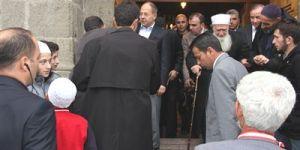 Sağlık Bakanı Akdağ, Bayram Namazını Kıldı