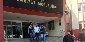 Fetö Dolandırıcısı Sahte Kimlikle Yakalandı