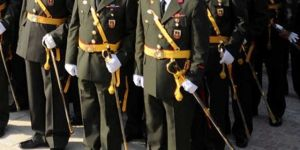 7 general ve amiral emekliliğini istedi