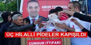 MHP'li Aday Pişirdiği 3 Hilalli Pideleri Halka Dağıttı