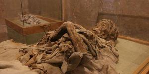 Niğde'deki sarışın rahibe ve 4 çocuk mumyası bin yıldır bozulmuyor