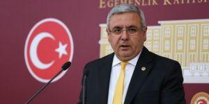AK Partili Mehmet Metiner: Meclis'te israf had safhadaydı