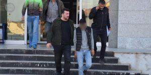 Atatürk büstüne saldıran iki kişi tutuklandı
