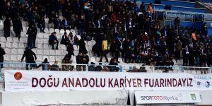 BB Erzurumspor - Galatasaray maçında DKF'19 pankartı