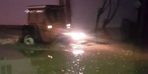 Pasinler'de yoğun yağış sele neden oldu