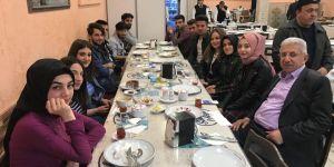 Taşçı öğrencilerle iftar yemeğinde bir araya geldi