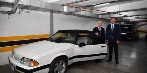 Devlet Bahçeli otomobilini vekiline hediye etti