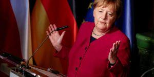 Merkel'den Türkiye ve yerel seçim açıklaması: