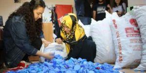 Öğrenciler 18 un çuvalı mavi kapak topladılar