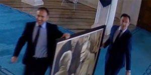 İmamoğlu'nun makamına astırdığı Atatürk portresi geri gelecek