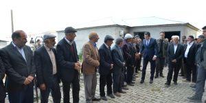 Vali Memiş, Küçük ailesine taziye ziyaretinde bulundu