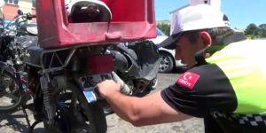 Erzurum'da Paket servisi yapan motosikletler denetlendi
