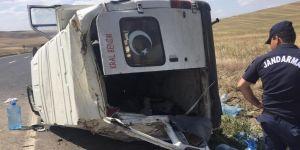 Kontrolden çıkan minibüs takla attı: 1 yaralı