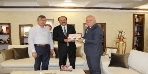 Prof.Dr. Çakmak'tan Başkan Sekmen'e ziyaret