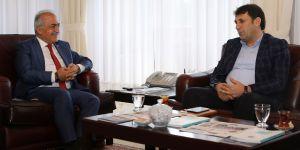 Başkan Yaşar'dan Rektör Çomaklı'ya ziyaret