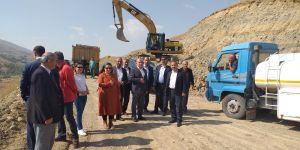 Aşkale'de grup köy yollarının yapımına başlandı