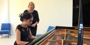 12 yaşındaki piyanist Papatya, New York'ta sahne alacak