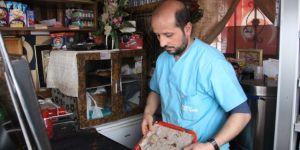 20 yıllık esnaf Talip Kocaman 10 yıldır kendini iyiliğe adadı