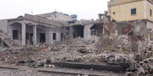 Rus savaş uçakları İdlib'i vurdu! 12 sivil öldü