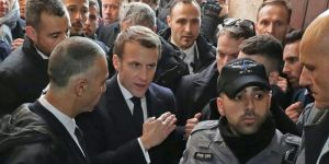Emmanuel Macron İsrail polisi ile tartıştı