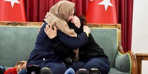 Diyarbakır annelerinden Dalmış 6 yıllık özlemin ardından evladına kavuştu