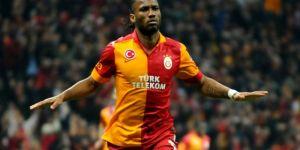 Eski Galatasaraylı Drogba, Fransa'da son 20 yılın en iyi forveti seçildi