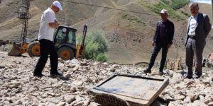 Çat belediyesi ekipleri selden zarar gören vatandaşların yardımına koştu