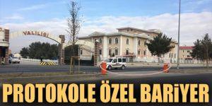 Erzurum'da Protokole özel bariyer