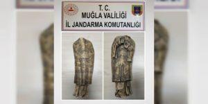 Tarihi heykeli satmak isterken yakalandı